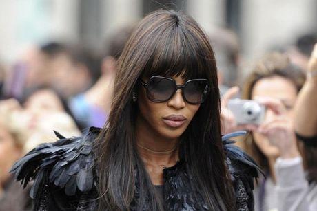 """""""Bao den"""" Naomi Campbell: Quyen luc tu The Face ra den ngoai doi thuc - Anh 1"""