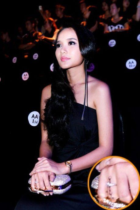 Cuoc song thay da doi thit cua Phan Nhu Thao sau khi lay chong dai gia - Anh 6