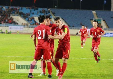 AFF Cup tri an, goi Cong Vinh la huyen thoai bong da Viet Nam - Anh 1