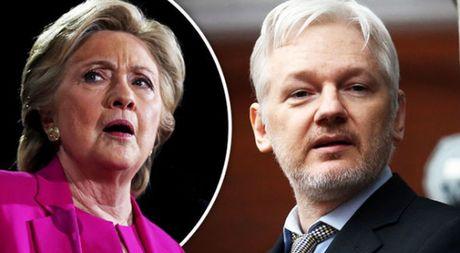 Julian Assange cao buoc ba Clinton nhan tien tu nhung ke tai tro khung bo - Anh 1