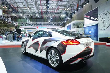 Ngam Audi TT 2016 voi 'bo ao' kieu camo - Anh 2