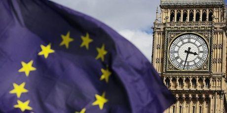 The gioi ngay qua: Brexit bat ngo gap tro ngai tu toa an Anh - Anh 5