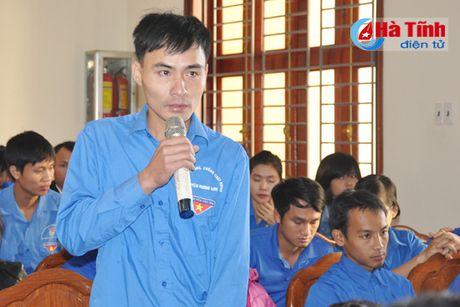 Doi thoai, dinh huong khoi nghiep cho hon 300 DVTN Huong Son - Anh 3