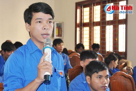 Doi thoai, dinh huong khoi nghiep cho hon 300 DVTN Huong Son - Anh 4