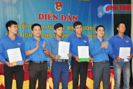 Doi thoai, dinh huong khoi nghiep cho hon 300 DVTN Huong Son - Anh 8
