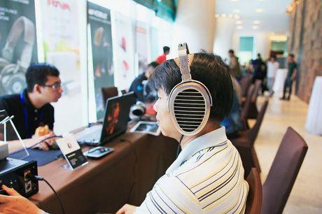 Nghe nhac 'da tai' tai Portable Audio Show Ha Noi 2016 - Anh 2