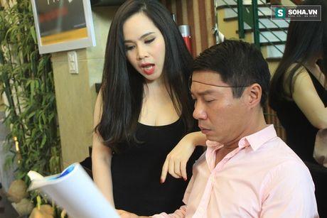 'Canh' nong bong cua Cong Ly va ban gai - Anh 8