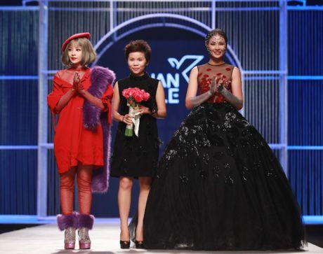 Hoa Hau Ngoc Han 'tha rong' vong 1, lam vedette show Xuan Le - Anh 14