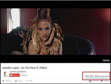Thanh tich 'khung' nay den ca Beyonce - Gaga - Miley con chua lam duoc! - Anh 2