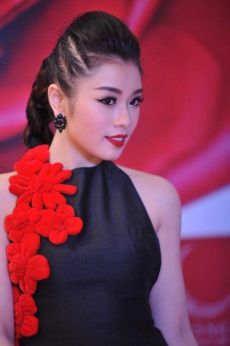 Sao Mai 2015 Thu Hang - Bong hong nho day gai - Anh 2
