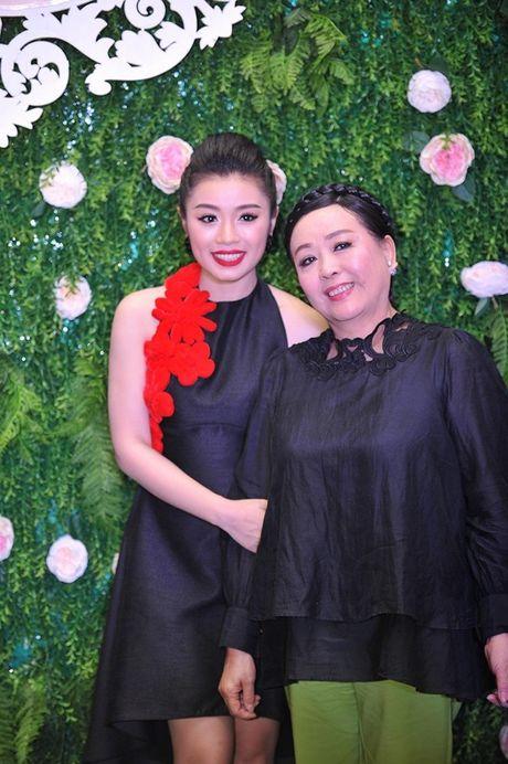 Sao Mai 2015 Thu Hang - Bong hong nho day gai - Anh 9