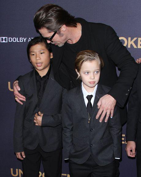 Con trai goc Viet cua Angelina Jolie muon duoc song cung Brad Pitt - Anh 4