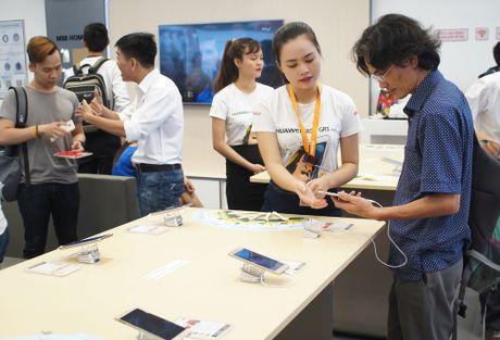 Huawei mo trung tam cham soc khach hang dau tien tai Viet Nam - Anh 1