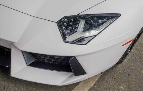 Lamborghini Aventador dau tien Viet Nam doi mau - Anh 6
