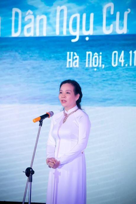 Dan sao Viet hoi tu mung Hong Anh 'len chuc' dao dien - Anh 8