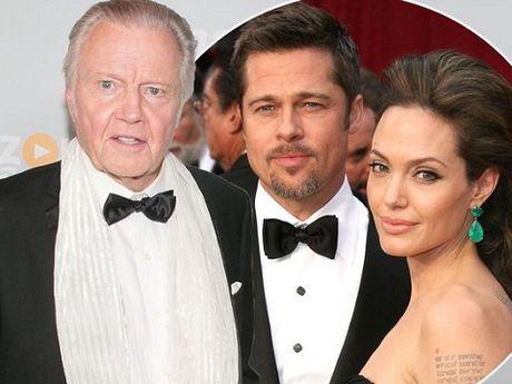 Cha de Angelina Jolie muon giup do con gai nhung bi khuoc tu - Anh 1