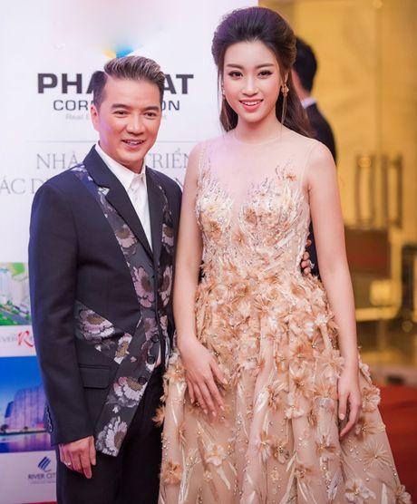 Hoa hau My Linh tuoi roi khi Mr Dam, Isaac 'om eo' - Anh 2