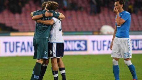 Napoli va Lazio cam chan nhau o San Paolo - Anh 1