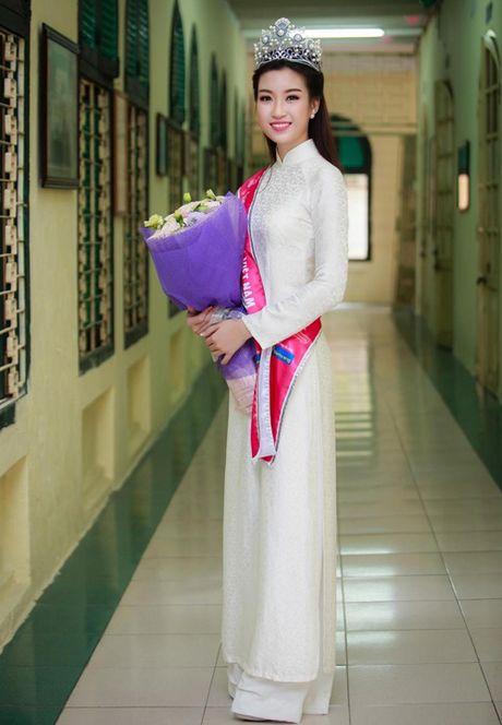 Cham diem nhung lan hoa hau Do My Linh mac ao dai - Anh 5
