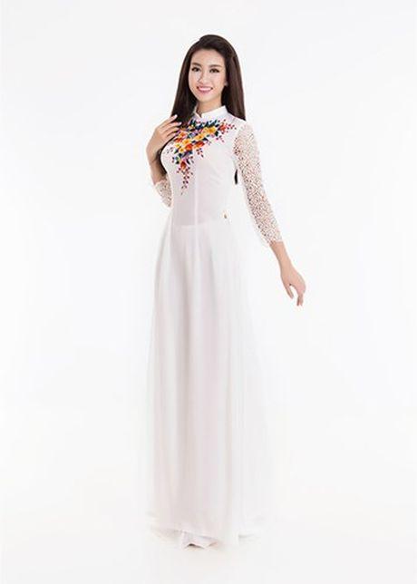 Cham diem nhung lan hoa hau Do My Linh mac ao dai - Anh 6