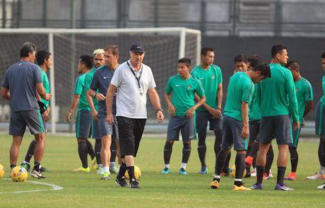 HLV Riedl: 'Tuyen Viet Nam la ung vien sang gia nhat cua chuc vo dich AFF Cup 2016' - Anh 1