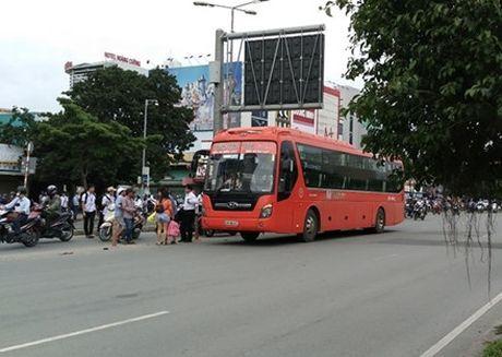 Tu 12/11, cam xe khach dung, do tren duong Dien Bien Phu (TP.HCM) - Anh 3