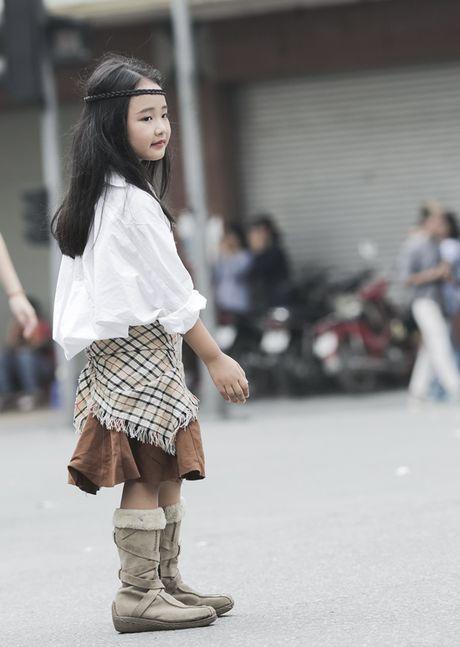 Hot girl nhi so 1 Ha thanh khoe street style chat lu - Anh 9