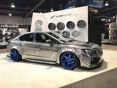 Ngam Subaru WRX STI duoc khac hoa tiet noi 'cuc doc' - Anh 3
