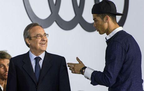 Giu Ronaldo toi nam 36 tuoi, Real co hoi han? - Anh 1