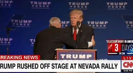 Suyt bi am sat o Nevada, ong Trump to nghi pham la nguoi ung ho ba Clinton - Anh 1