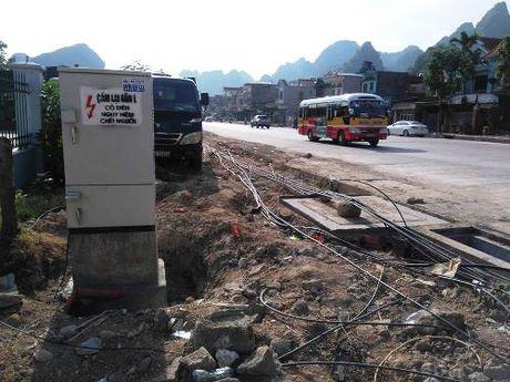 Quang Ninh khien trach 3 can bo vi pham trong giai phong mat bang - Anh 1