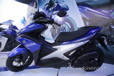 Nguoi Viet dau tien lai Yamaha NVX o Binh Duong - Anh 4