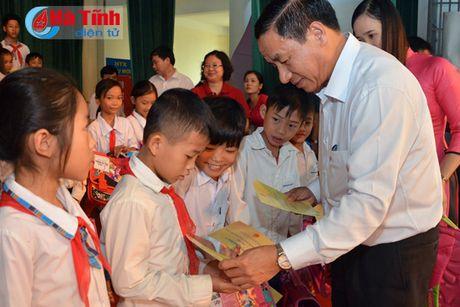 Pho Chu tich nuoc Dang Thi Ngoc Thinh tham nguoi dan vung lu Ha Tinh - Anh 13