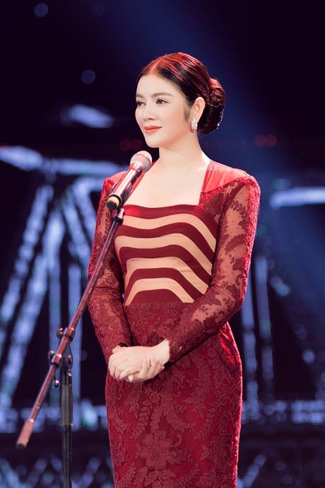 Ly Nha Ky dep long lay tai le be mac Lien hoan phim Quoc te Ha Noi 2016 - Anh 9