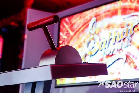 Lan dau tien lo dien san khau hoanh trang 'net tung centimet' cua Sing My Song - Bai hat hay nhat - Anh 5