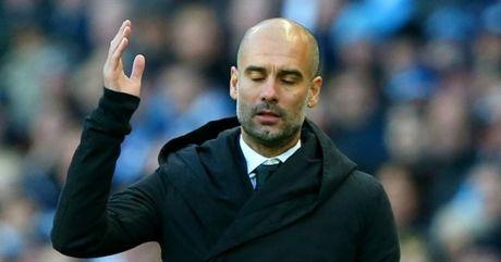Pep Guardiola chan nan voi hang cong 'an hai' cua Man City - Anh 1