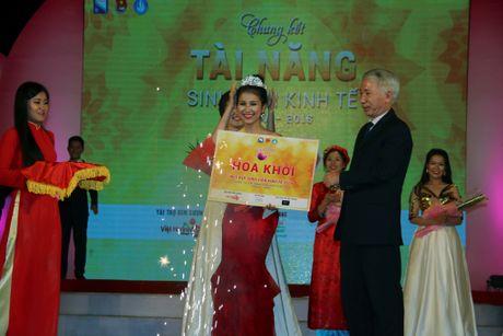 Nu sinh vien Lao dat danh hieu A khoi DH Kinh te Da Nang - Anh 11