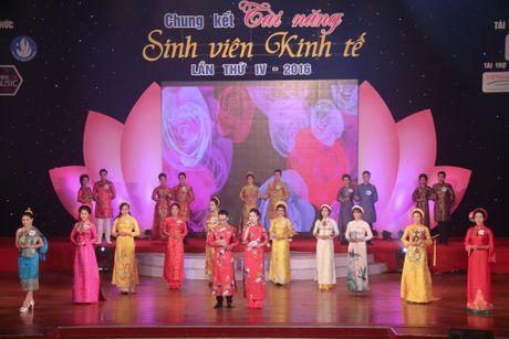 Nu sinh vien Lao dat danh hieu A khoi DH Kinh te Da Nang - Anh 2