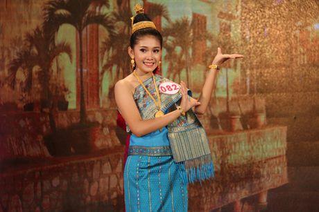 Nu sinh vien Lao dat danh hieu A khoi DH Kinh te Da Nang - Anh 5