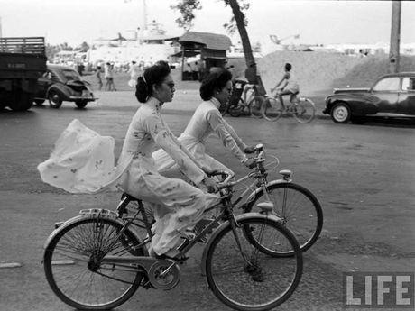 Thu di xe dap nhung nam 1960… - Anh 1