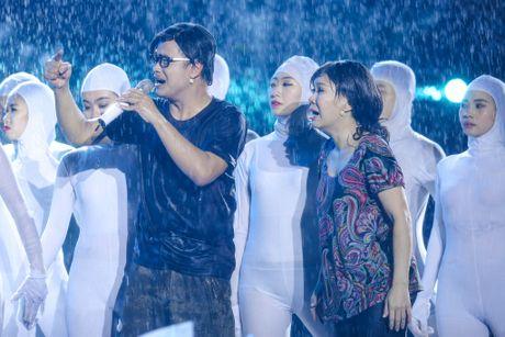 Live show 6 ty dong cua Viet Huong: Nuoc mat roi trong mua - Anh 1