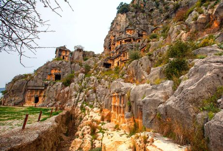 Phong Nha vao top thang canh tuyet dep con giau tiem nang - Anh 19