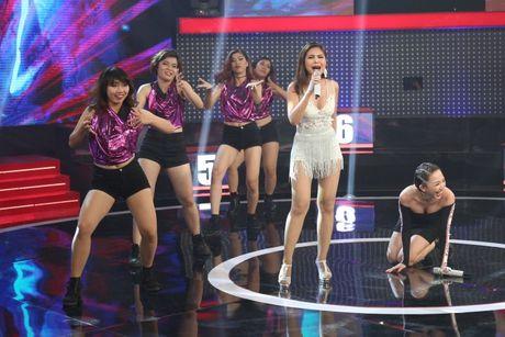 Toc Tien guc nga vi DJ nong bong nhung co giong hat tham hoa - Anh 2