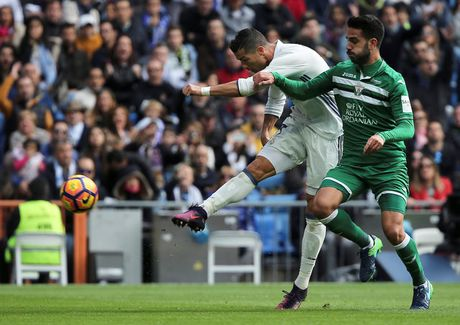 Real Madrid vs Leganes (3-0): Show dien cua Bale - Anh 1