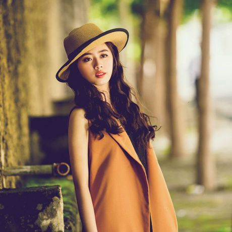 Hoa khoi DH Nhan van TP.HCM khong thich duoc khen xinh dep - Anh 3
