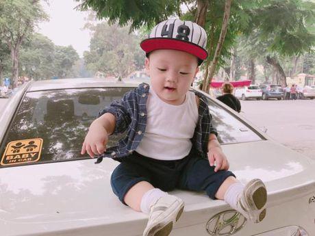 Ly Kute khoe anh con trai, cang lon cang giong Mac Hong Quan - Anh 12