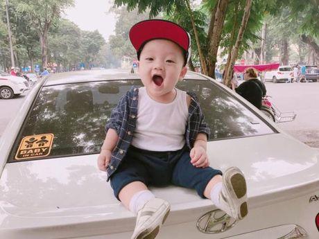 Ly Kute khoe anh con trai, cang lon cang giong Mac Hong Quan - Anh 1