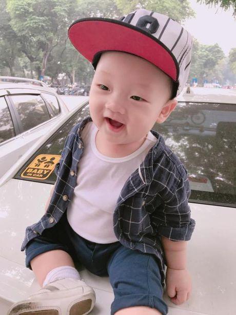 Ly Kute khoe anh con trai, cang lon cang giong Mac Hong Quan - Anh 3