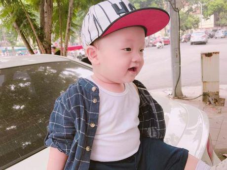 Ly Kute khoe anh con trai, cang lon cang giong Mac Hong Quan - Anh 4