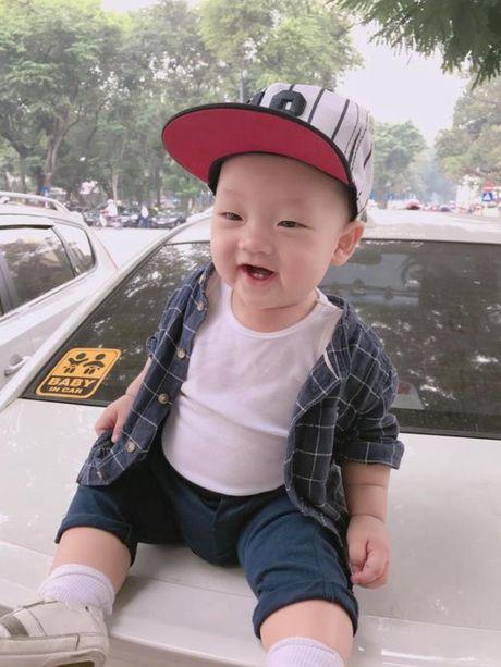 Ly Kute khoe anh con trai, cang lon cang giong Mac Hong Quan - Anh 5